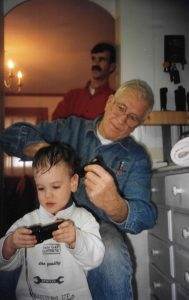 pop giving sam haircut